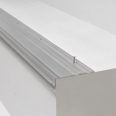 Subperfil de aluminio Incizo para escaleras Quick Step