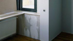 Trucos profesionales para preparar las paredes antes de pintar